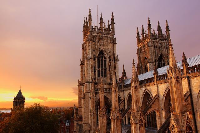Odwiedź York i zobacz jedną na najwspanialszych katedr Europy